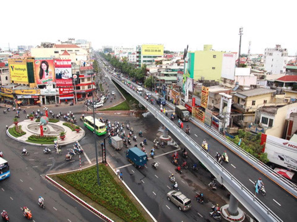 Một góc cầu vượt ở Quận Tân Bình