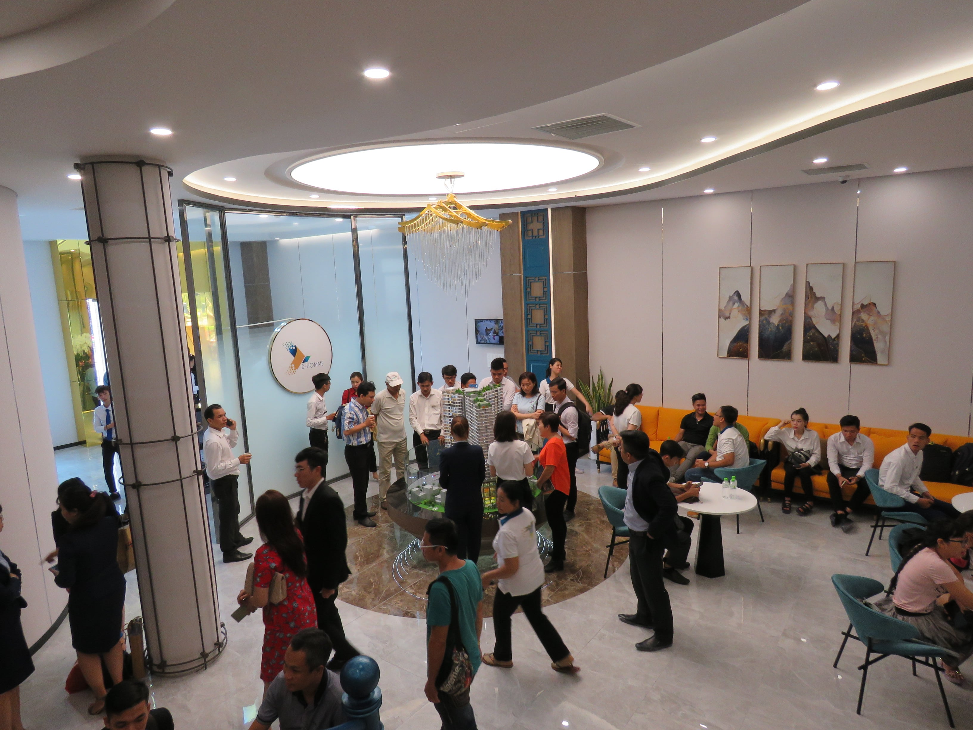Khai trương nhà mẫu căn hộ D-Homme thu hút đông đảo khách hàng tham dự