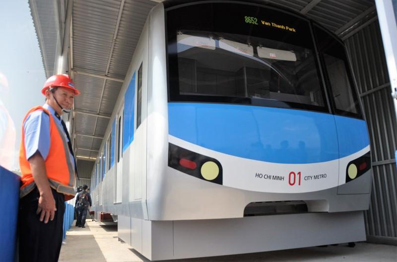 Hình ảnh mới nhất tàu điện ngầm Metro TP.HCM