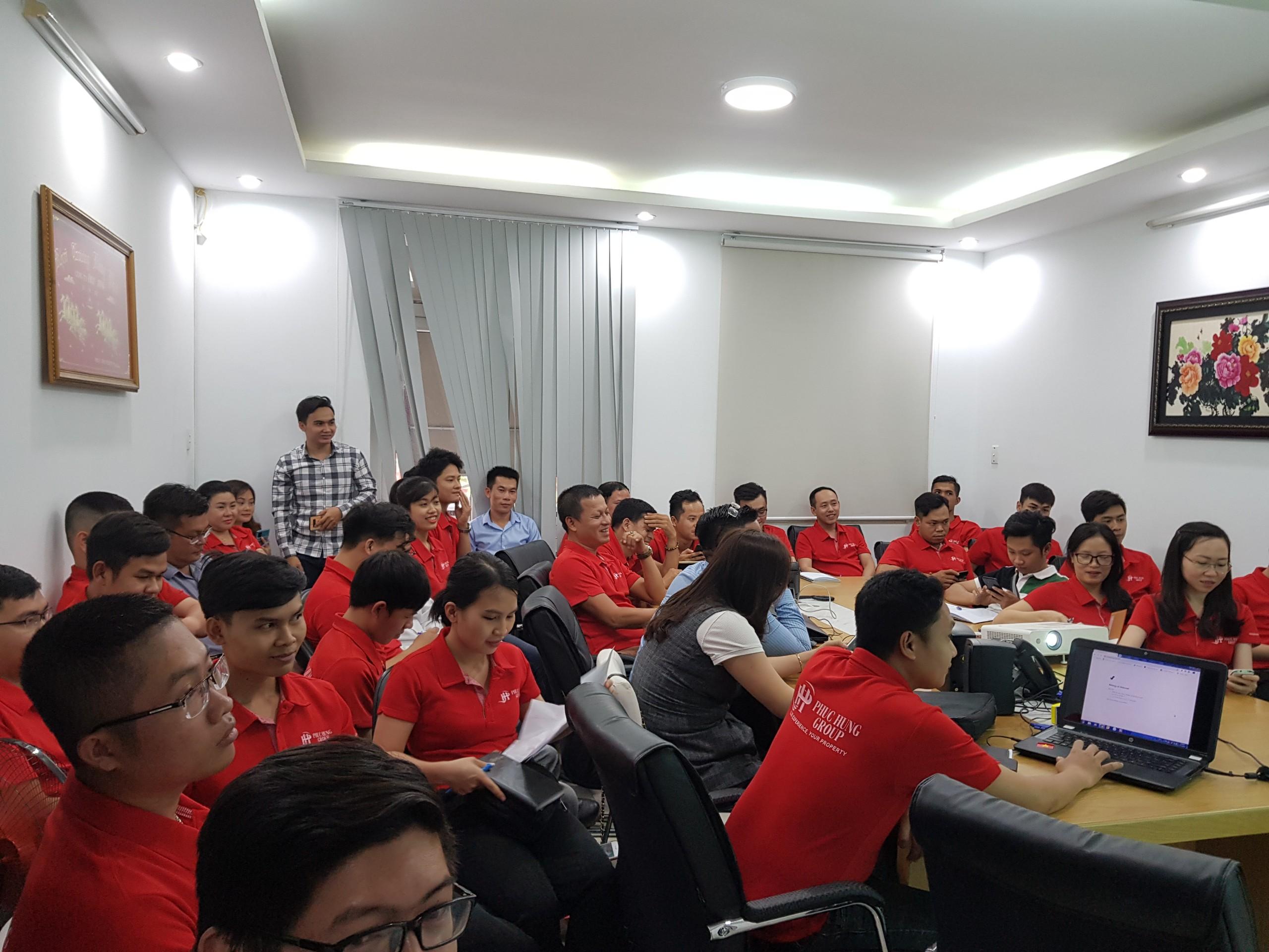 """Những """"chiến binh"""" Phúc Hưng Group hào hứng tham dự buổi Training dự án mới"""