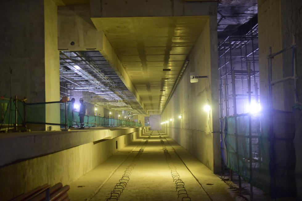 Dưới tầng hầm tuyến Metro số 1